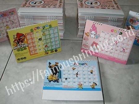 kalender meja kartun